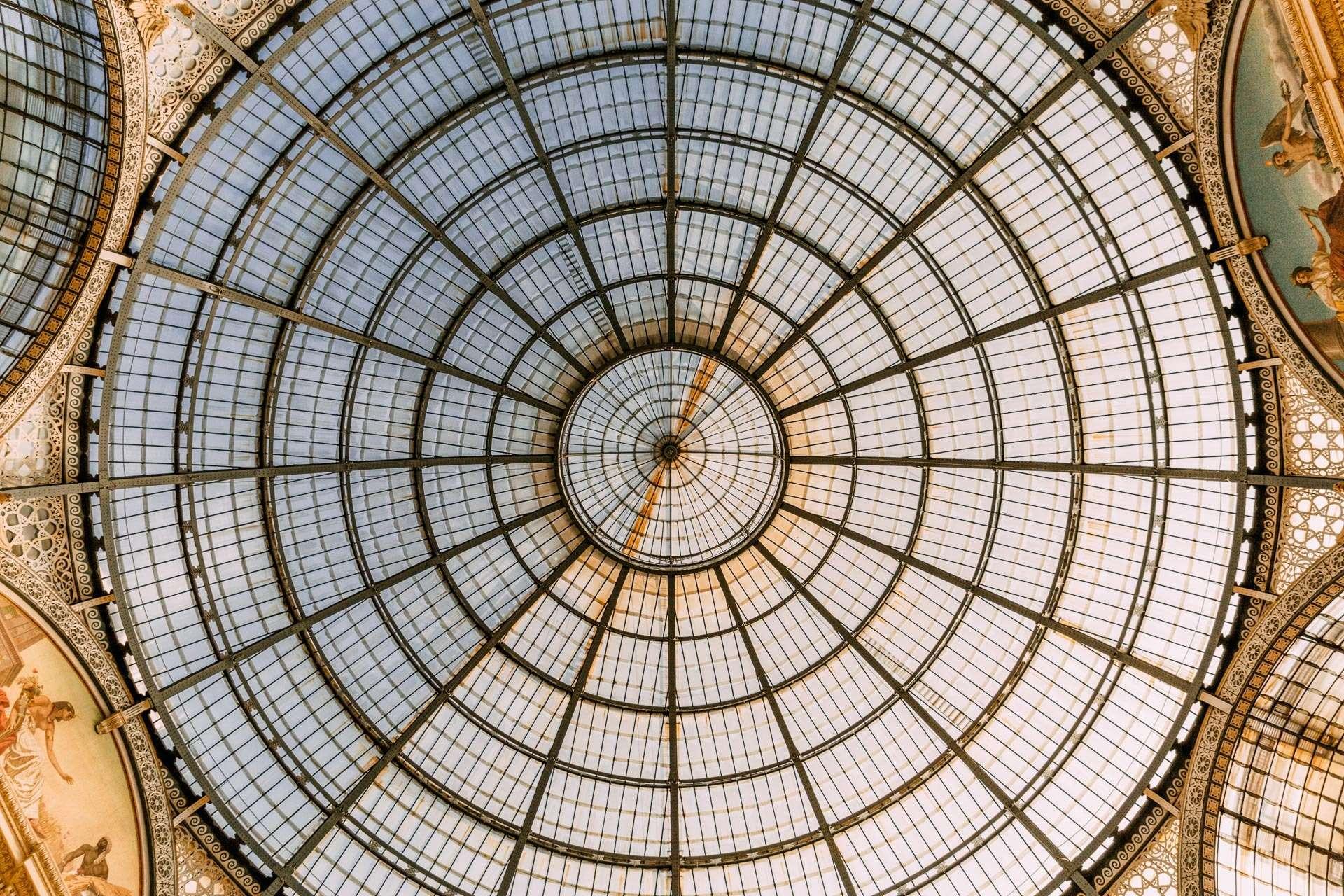 Glaskuplen i Galleria Vittorio Emanuele II, opkaldt efter den første konge i Italien.